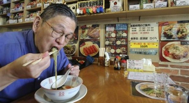 Coreanos defienden los fideos instantáneos aunque los relacionen con problemas de salud