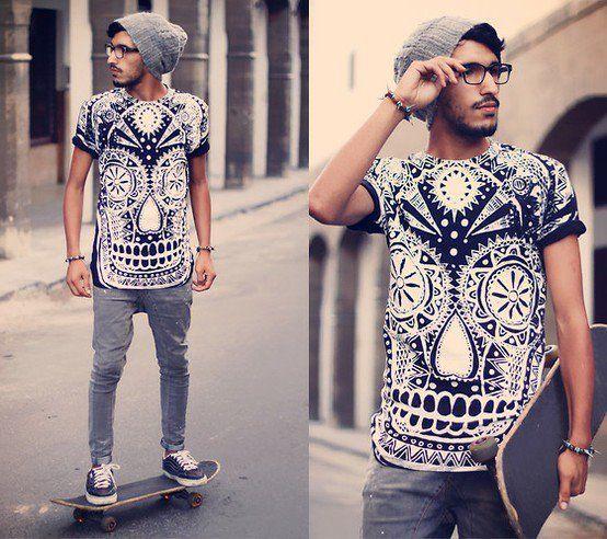 T-Shirt caveira + Jeans.                                                                                                                                                      Mais
