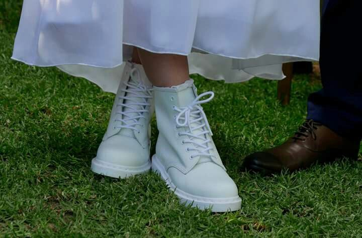 #silver #hair #bride #wedding #garden #husband #youngandmarried #mono #drmartens