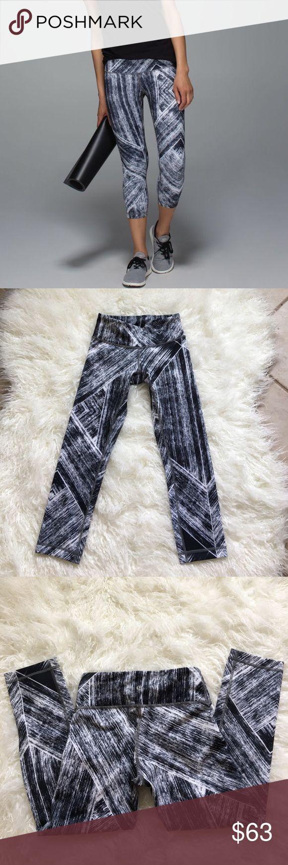 NWOT Lululemon Heat Wave Wunder Under Crop In excellent condition no flaws never worn. lululemon athletica Pants Ankle & Cropped