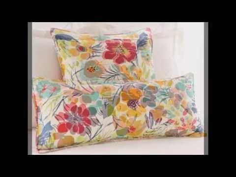 Decor pillows  by blocnow.com