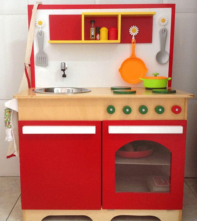 cozinha de madeira da loja Trenzinho