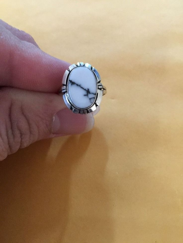 Native American Navajo Womens Oval White Buffalo Turquoise ring Size 6 Nice # 2