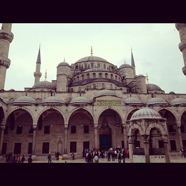 The Blue Mosque in Istanbul - a cloudy Sunday, but what a view!