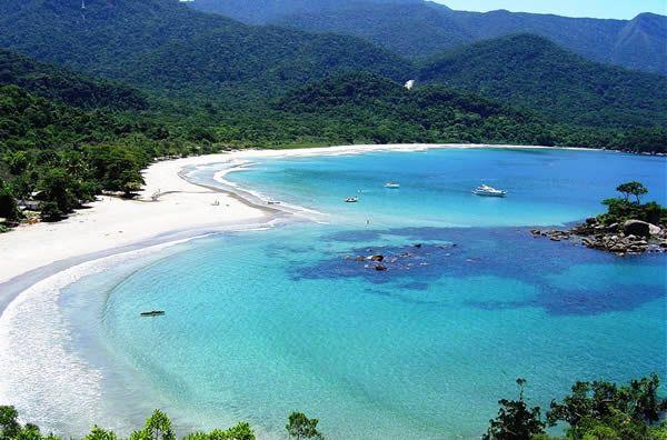 Baía dos Castelhanos, Ilhabela, Brasil  Conheci e realmente é um paraíso!