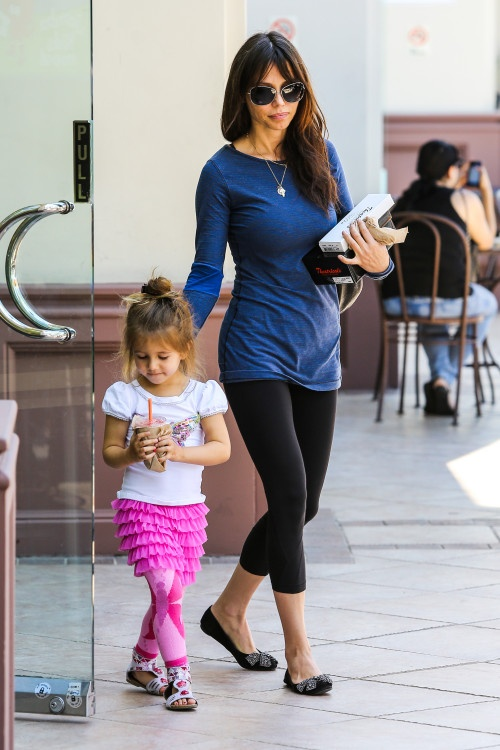 Oksana Grigorieva and Lucia go for Jamba Juice in Sherman Oaks