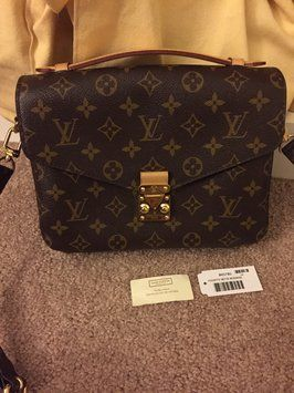 Louis Vuitton Pochette Metis/m40708 Monogram Cross Body Bag. Get the trendiest Cross Body Bag of the season! The Louis Vuitton Pochette Metis/m40708 Monogram Cross Body Bag is a top 10 member favorite on Tradesy. Save on yours before they are sold out!
