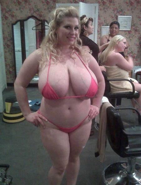 nude booty shake