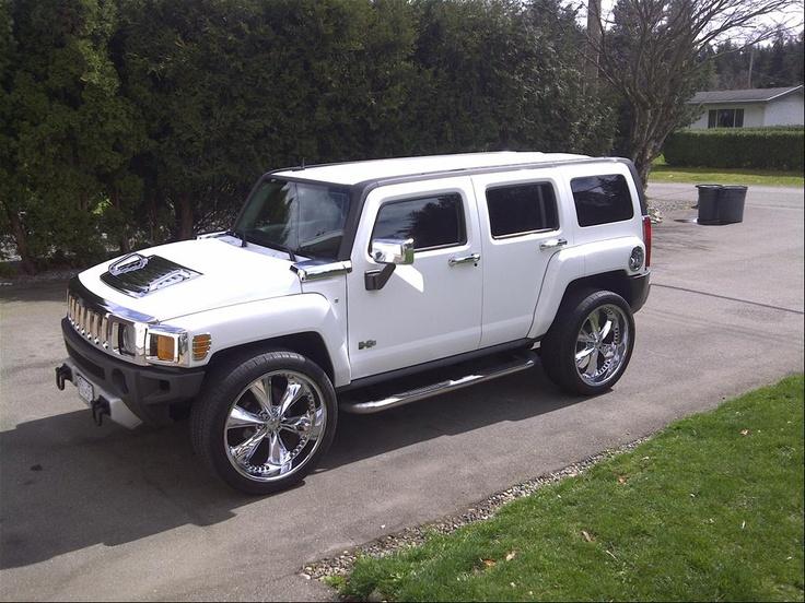 White Hummer H3 SUV Sport Utility