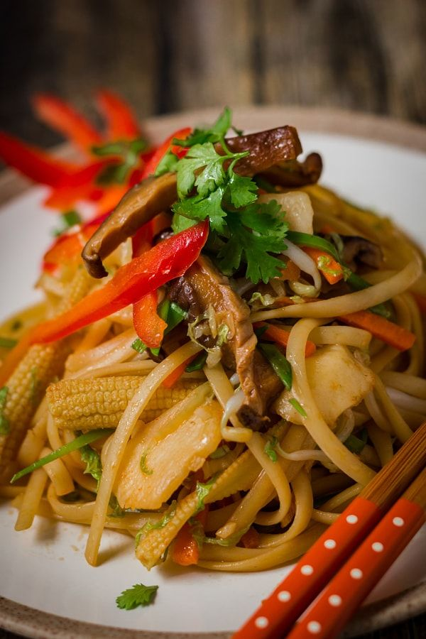 Vegan linguine with chinese sauce