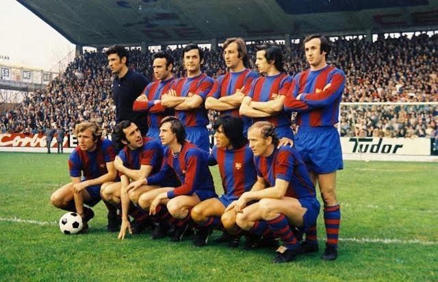 A dalt: Sadurní, Rifé, Torres, Costas, De la Cruz i Juan Carlos. Ajupits: Rexach, Asensi, Cruyff, Sotil i Marcial