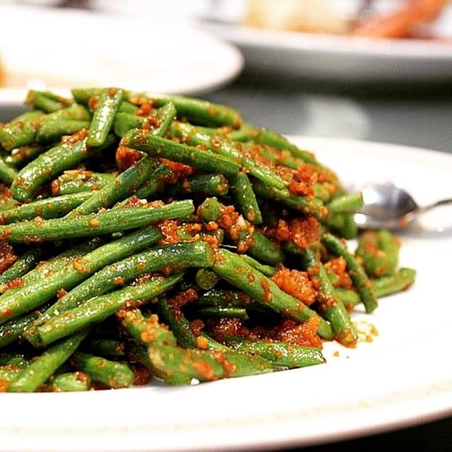 Get your greens 😋 Fine beans with chilli at M&L Chinese are the bomb dot com. 💥 #foodporn #chinese #green #spice #chilli #dublin #lovindublin #veggie