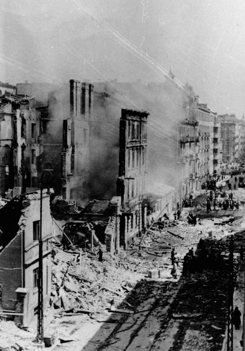 Warsaw at the end of September and after facing the German Blitzkrieg, 28 Sept 1939.