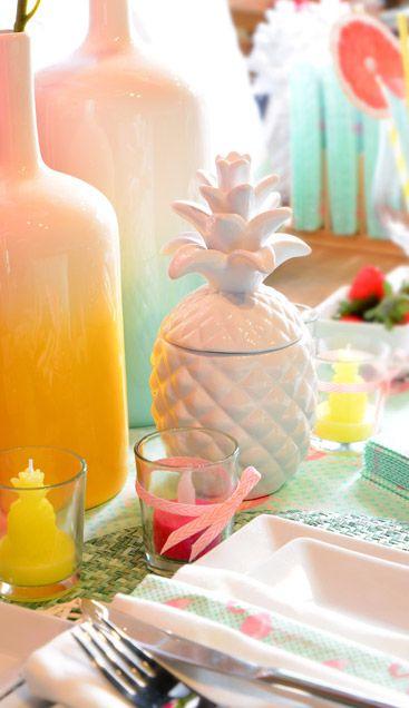 Ein kleines Deko-Arrangement zeigt große Wirkung #Sommer #Ananas #Vase