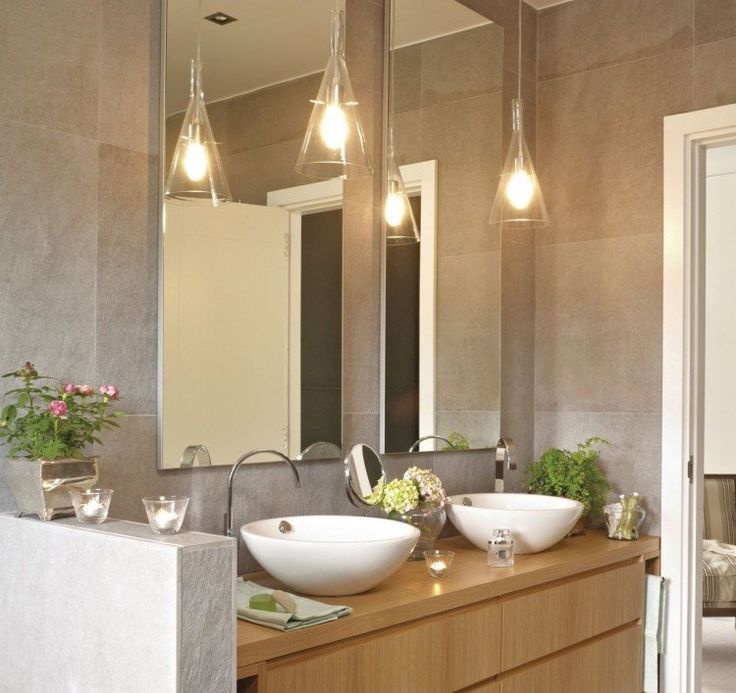 clairage salle de bains suspensions en verre les deux cts du miroir http - Miroir Salle De Bain Lumiere Integree