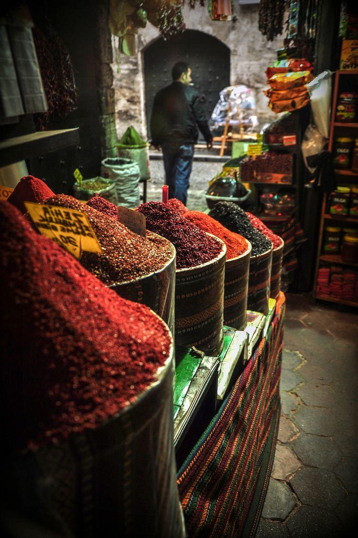 gewürzladen, istanbul  © Motaz Al Tawil