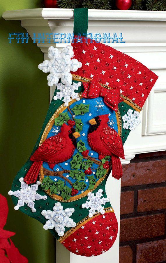 Cardenales de Bucilla  Kit de media de la Navidad fieltro