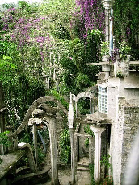Curious Places: Las Pozas (near Xilitla/ Mexico)
