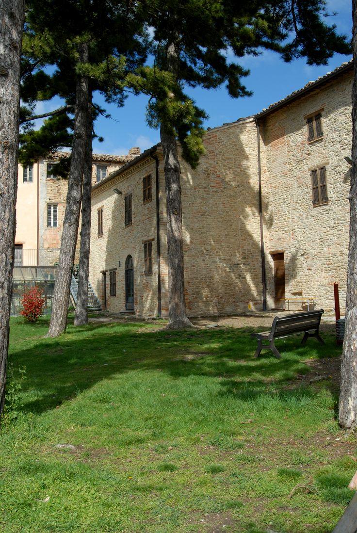 Palazzo Felici veduta dei giardini all'interno della struttura museale #marcafermana #montefalconeappennino #fermo #marche