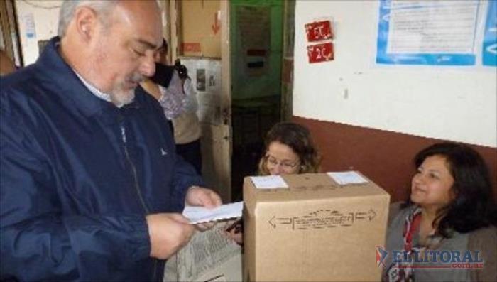 """Ricardo Colombi:  """"Esta elección significa un gasto enorme para ordenar las grillas"""""""
