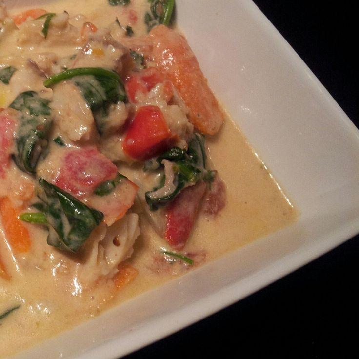 Foto recept: Groene viscurry  Lekker met wat Thaise basilicum, Victoria baars en blue elephant green curry.