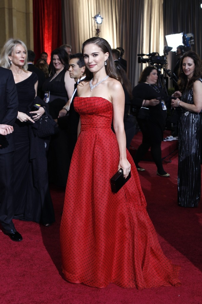 Red Carpet Report: Natalie Portman in vintage Christian Dior Haute Couture and Harry Winston.