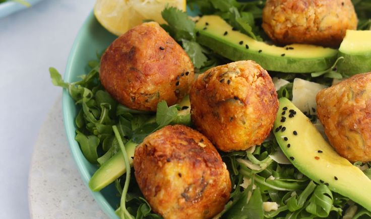These veggie kofta balls are so yum! Officially the favourite dinner recipe from our next 14 Day Get Merry Challenge. The best bit, they're gluten free, grain free, paleo and vegetarian. They tick a whole lotta boxes (haha) PLUS did we mention they are freaking yum as? Oh yeh we did.  via @themmsisters