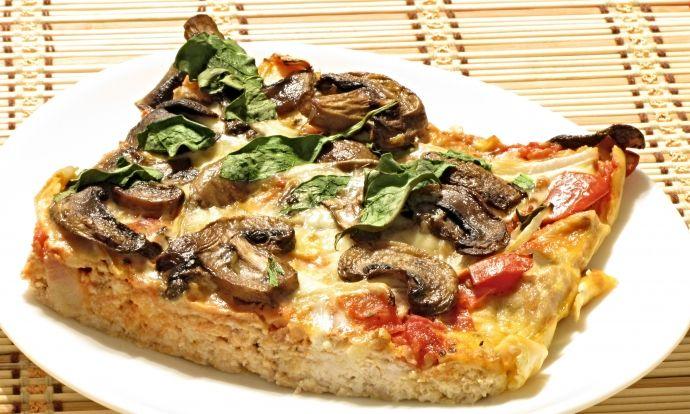 Pizza s těstem z kuřecího masa