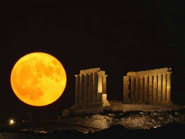 Enjoy a full moon at #Cape_Sounio
