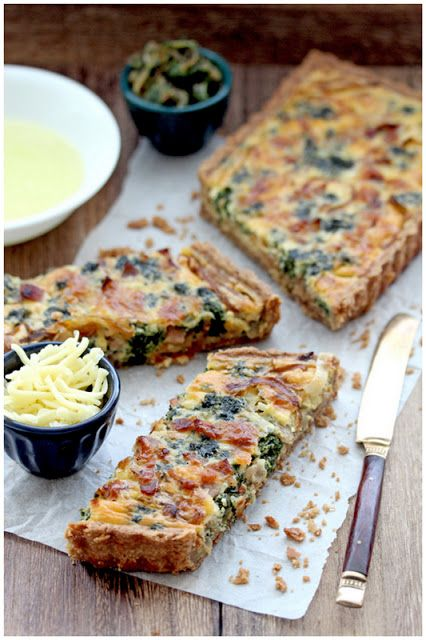 Bacon, caramelized onions and spinach quiches