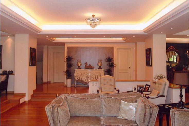 Τριώροφη κατοικία στη Βούλα | vasdekis