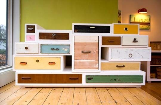 most unconventional dresser ever.  it's like a pragmatic furniture sculpture!: Orphan Drawers, Dressers Drawers, Old Drawers, Crafts Rooms, Cool Ideas, Giftcard, 1000 Orphan, Drawers Projects, Chest Of Drawers