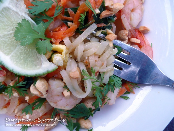 Shrimp Pad Thai: noodles with shrimp, carrots, onion, spinach topped ...