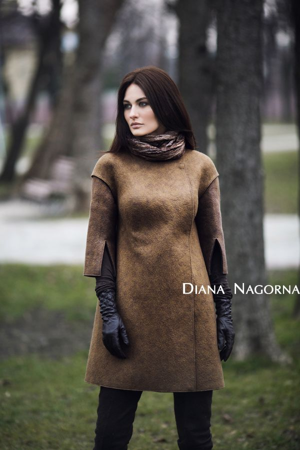 Light coat, made ​​in the technique of felting. Italian merino wool. Handmade. Coat fastens with a beautiful hidden buttons. Classic elegant silhouette
