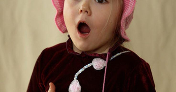 Atividades para linguagem expressiva e receptiva. As atividades para linguagem receptiva e expressiva pretendem ajudar a estabelecer habilidades linguísticas que promovam o amor à língua, à leitura e à comunicação. Essas atividades variam desde a narração de histórias à música, dependendo dos sintomas de cada criança e o prognóstico recomendado. Todos os dias, os exercícios e as brincadeiras ...