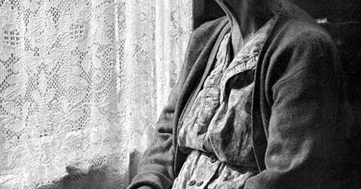 Remédios naturais para depressão em idosos. Envelhecer pode torná-lo mais suscetível à depressão. Essa condição geralmente acompanha doenças crônicas que são mais comuns com o avanço da idade. Além disso, seu apoio social pode estar diminuindo devido à morte de pessoas amadas. Ainda assim, a depressão não é uma parte natural do envelhecimento e deve ser tratada seriamente. Medicação pode ...