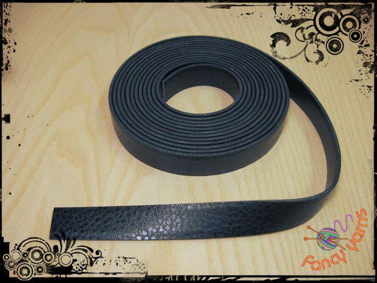 1 metro di nastro in ecopelle nera, mm.20 di Fancy yarns su DaWanda.com