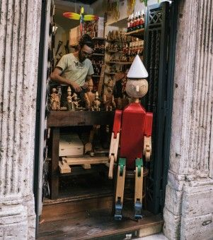 Gerry Newan: toys crafted in pine, in Rome Italy