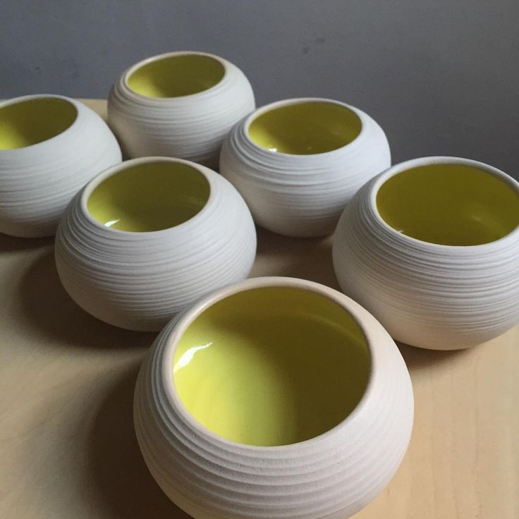 It's amazing how if you change the variables slightly you get a totally different result. I used a different clay body for these bowls but the same glaze and the yellow came out more greeny than the bright egg yolk yellow before. I still like it but it was a bit of a surprise. Lesson learnt? Change one small thing, test it first before glazing 6 bowls!