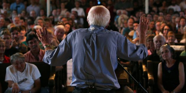 #Bernie Sanders does better than #HillaryClinton against GOP in swing states. Am I surprised? No. There is no way a person, of reasonable mind(I say this as some people love to dog in their heels despite facts and reason), can listen to #BernieSanders speak and not be drawn to him.  Please listen to this Man, share what you've heard with others, converse, and vote #BernieSanders2016!