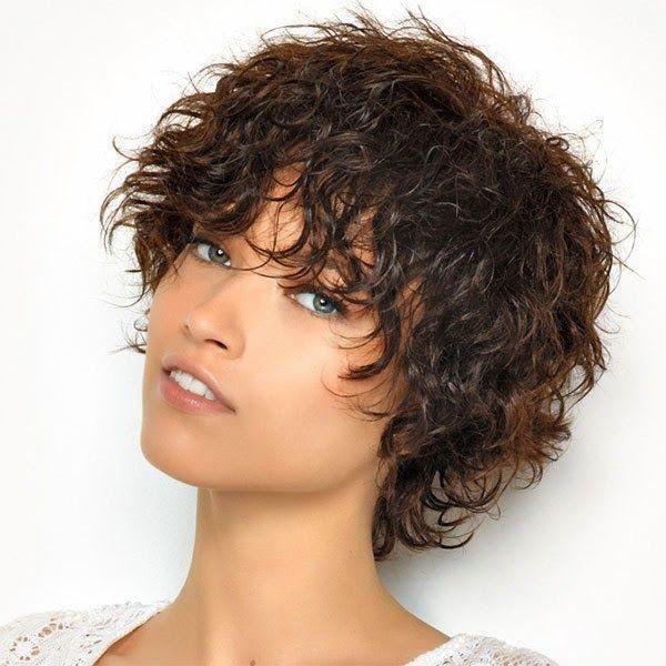 moda cabellos pelo corto rizado