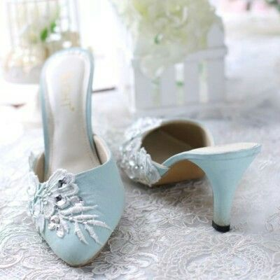 The design of rosemary blue shoe inspired from beautiful rosemary blue ,we using apply the gems scattered on the front of the shoe to make it look fancy additional applications of small diamonds around itWe combine high-quality beads, then arrange them in such a way to look elegant. The color is soft, tender and romantic to look beautiful. For more information  Just click this link https://m.bukalapak.com/p/fashion-wanita/sandal-2038/sandal-flat-2547/7mmw71-jual-sandal-rosemary-biru
