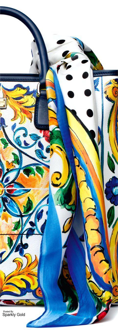 D&G Fall 2016 Scarves en Vogue