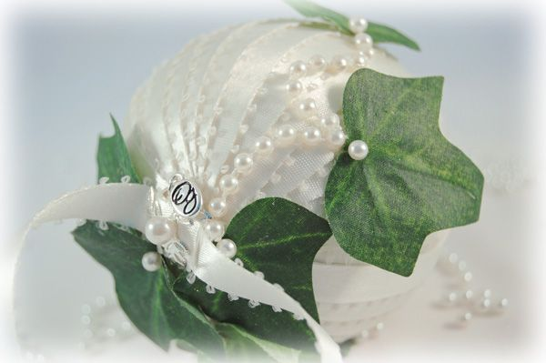 custom wedding ornament with pearls and ivy leaves (a different wedding ornament by the same artist)