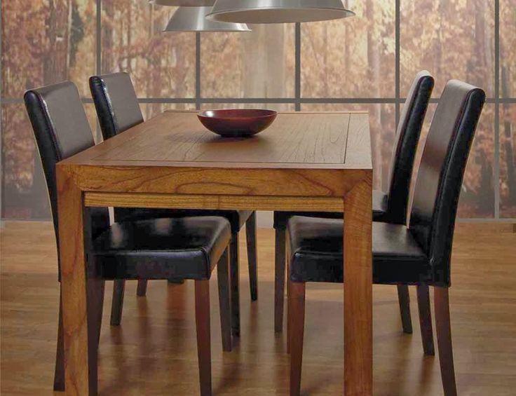 Mesas de comedor de la colección Urban de Bambó Blau, de estilo colonial/contemporáneo, fabricadas con madera de teca procedente de talas co...
