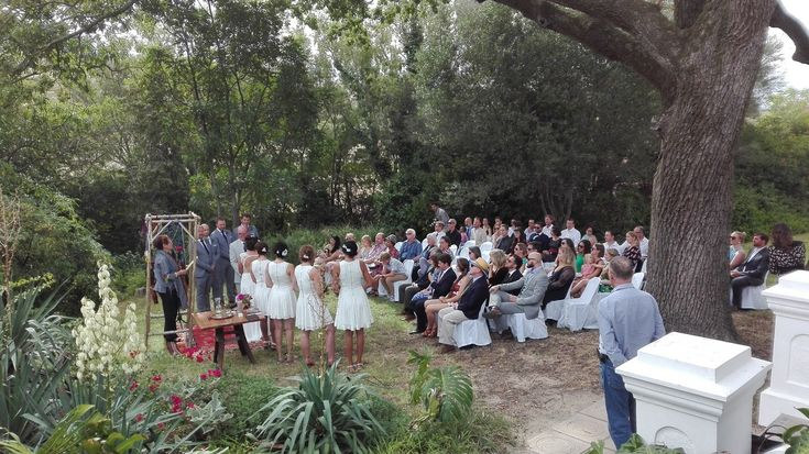Marriage under the oaks at Fynbos Estate