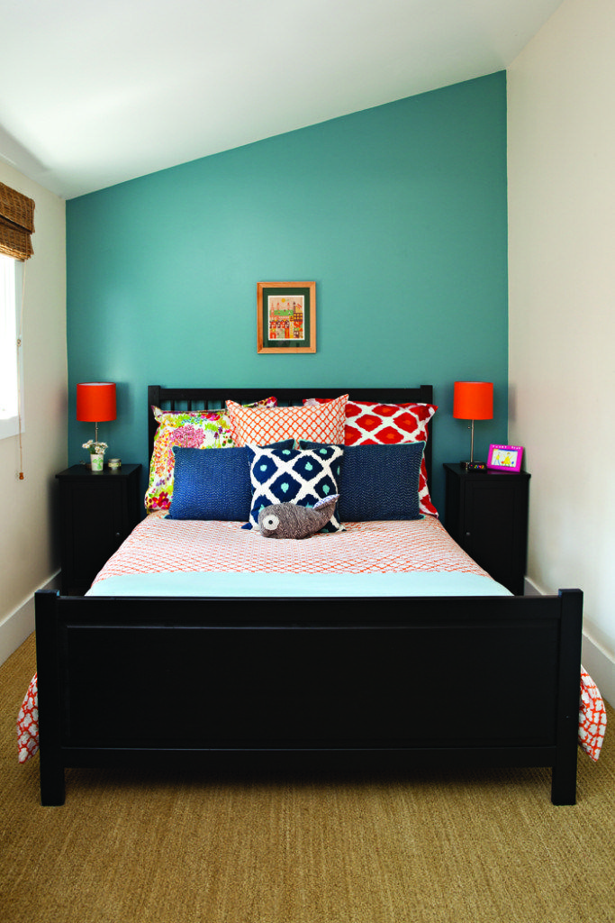 Feature Wall With Just Paint Small Guest Bedroom Small Bedroom
