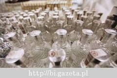 Oferta hurtowni alkoholi w Makro Radom Sieć handlowa Makro Cash and Carry od prawie dwudziestu lat stale rozbudowuje struktury sprzedaży oraz ofertę asortymentową. Od 1994 uruchomiono 30 wielkich hal, a od 2009 do sieci dołączyły mniejsze placówki – Makro Punkty. W roku 2010 zostały uruchomione trzy nowe obiekty w tym formacie, jednym z nich jest placówka w Radomiu. Makro punkt zapewnia szeroki asortyment produktów, m. in. jest to bardzo dobrze zaopatrzona hurto