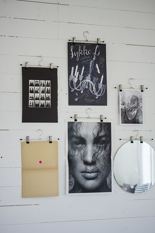 use clip or pants hangers to display photos or printed posters (By Fryd)