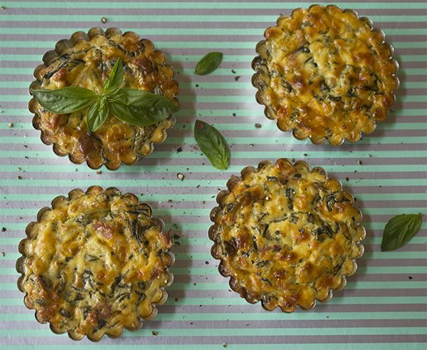 Low Carb Spinach Tartlets #LCHF #BANTING --- TO DECARB: Use natural cottage cheese and add your own herbs.